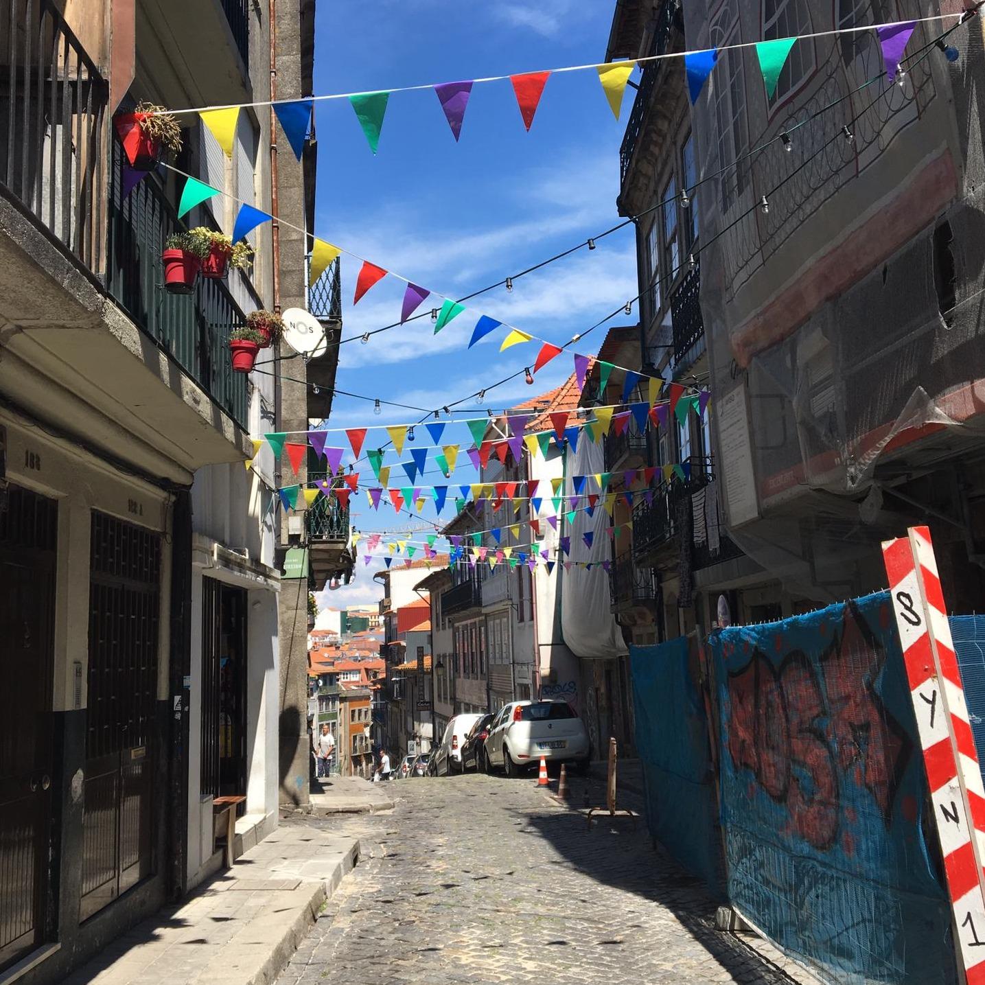 345 - É São João! É São João! A festa mais importante do Porto.