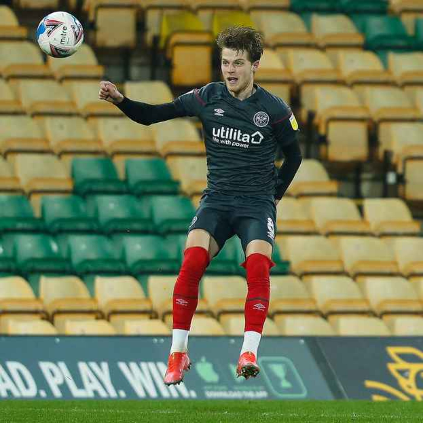 Norwich City V Brentford