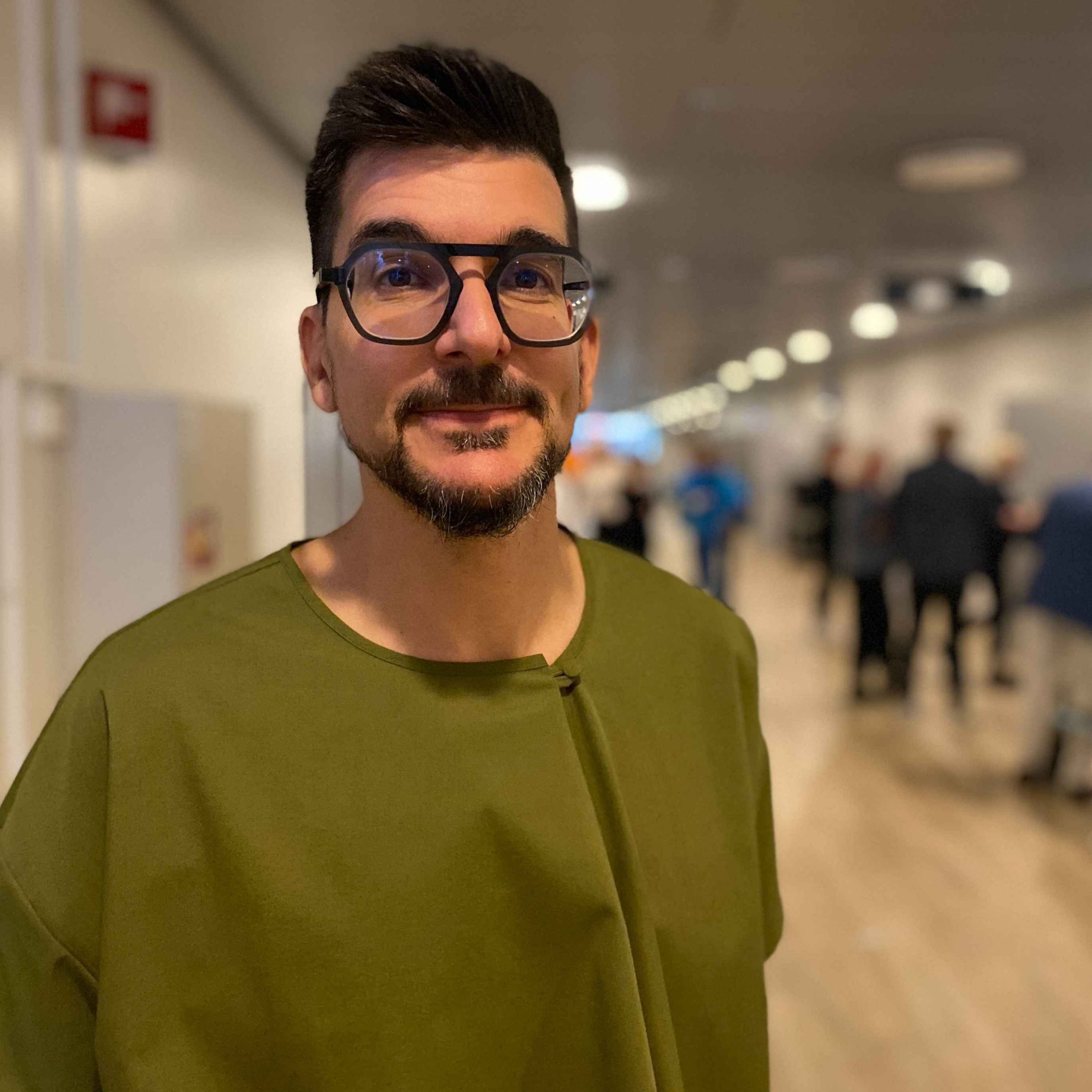 Alexander Osterwalder: How to Create Invincible Companies- Even for small businesses