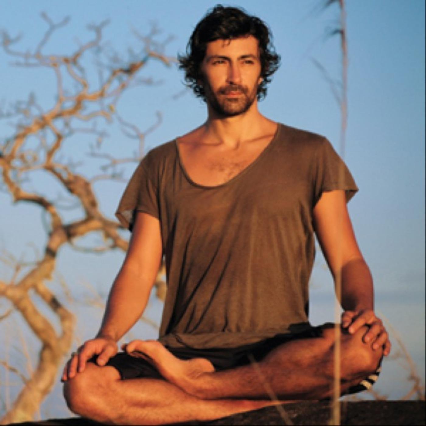 Épisode #59 - Mika de Brito : Eveiller chaque jour sa conscience avec les enseignements du plus Nasty des Yogis !
