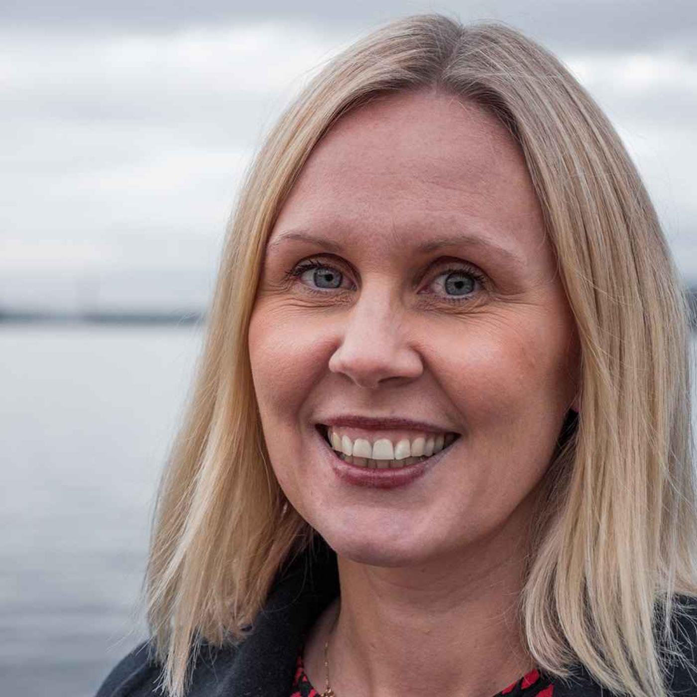 Katarina Lindøen-Kjellnes er Statsautorisert revisor og Career coach. Rollene balanserer hun utmerket, og er nå tatt opp som ny partner i PwC
